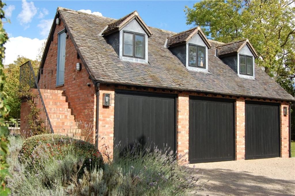 6 bedroom detached house for sale in pillerton hersey for Six bedroom house for sale