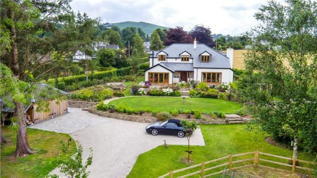 4 bedroom detached house for sale in chagford newton