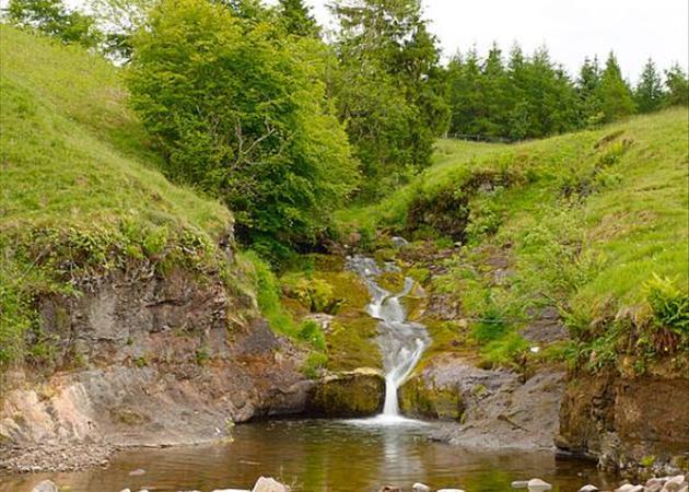 Cauldhame: Waterfall