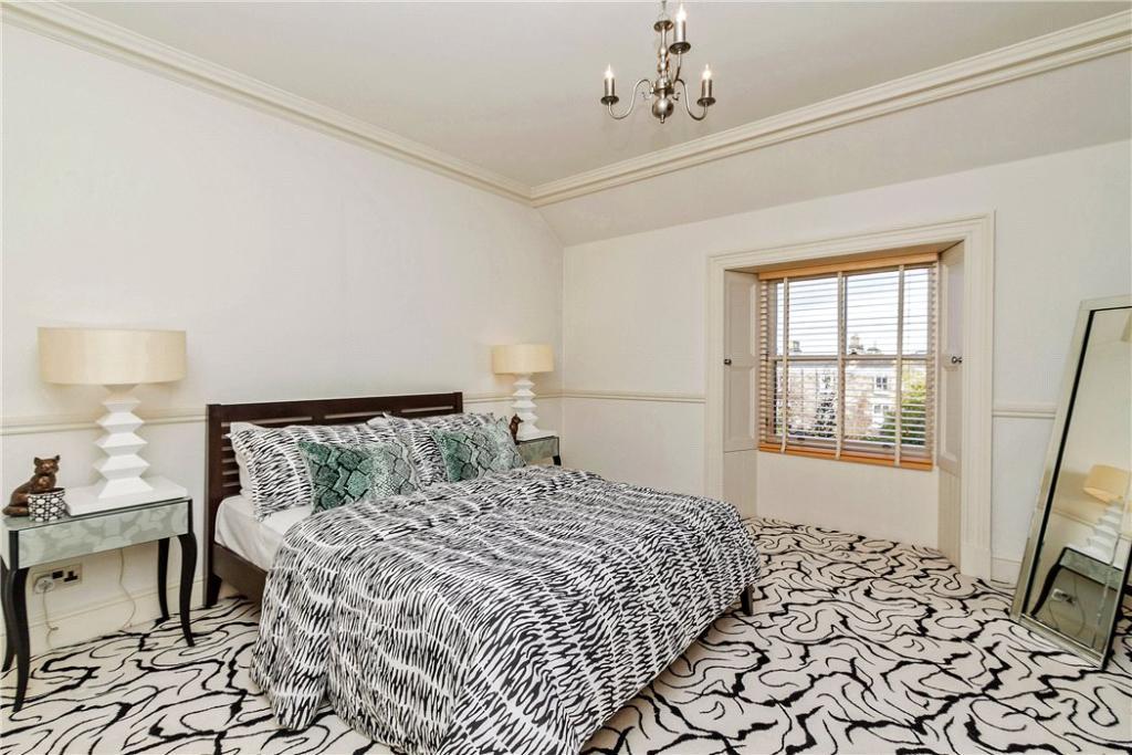Bedroom Eh12