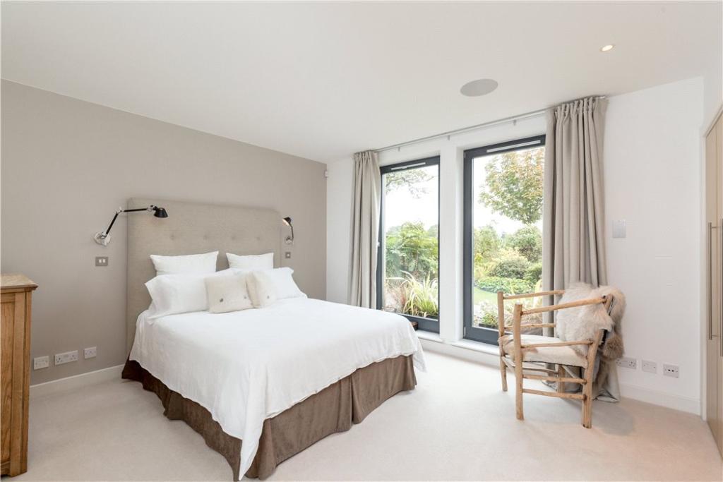 Master Bedroom Eh3
