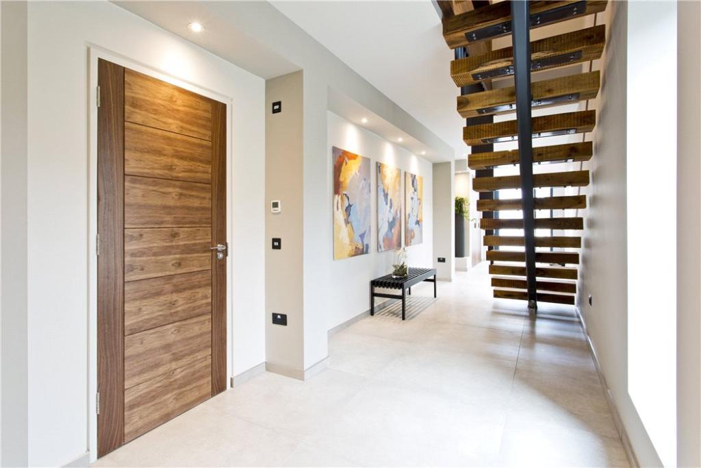 Hall & Bespoke Stair