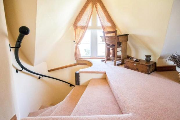 Sweeping Staircase