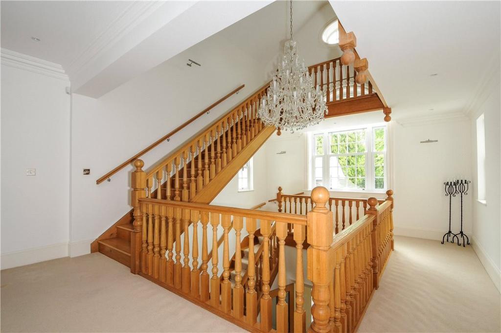 Ascot: Stairs