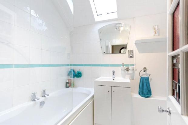Sunninghill:Bathroom