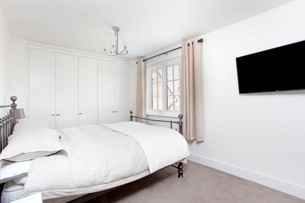 Winkfield: Bedroom