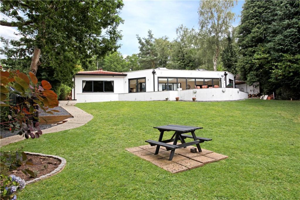 Finchampstead:Garden