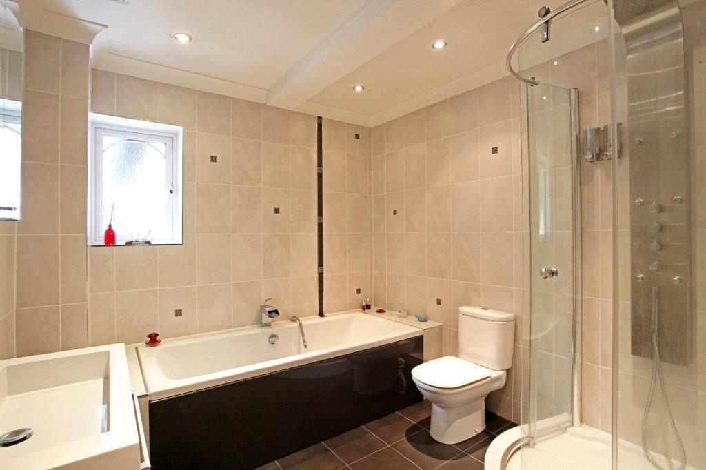 Finchampstead: Bath