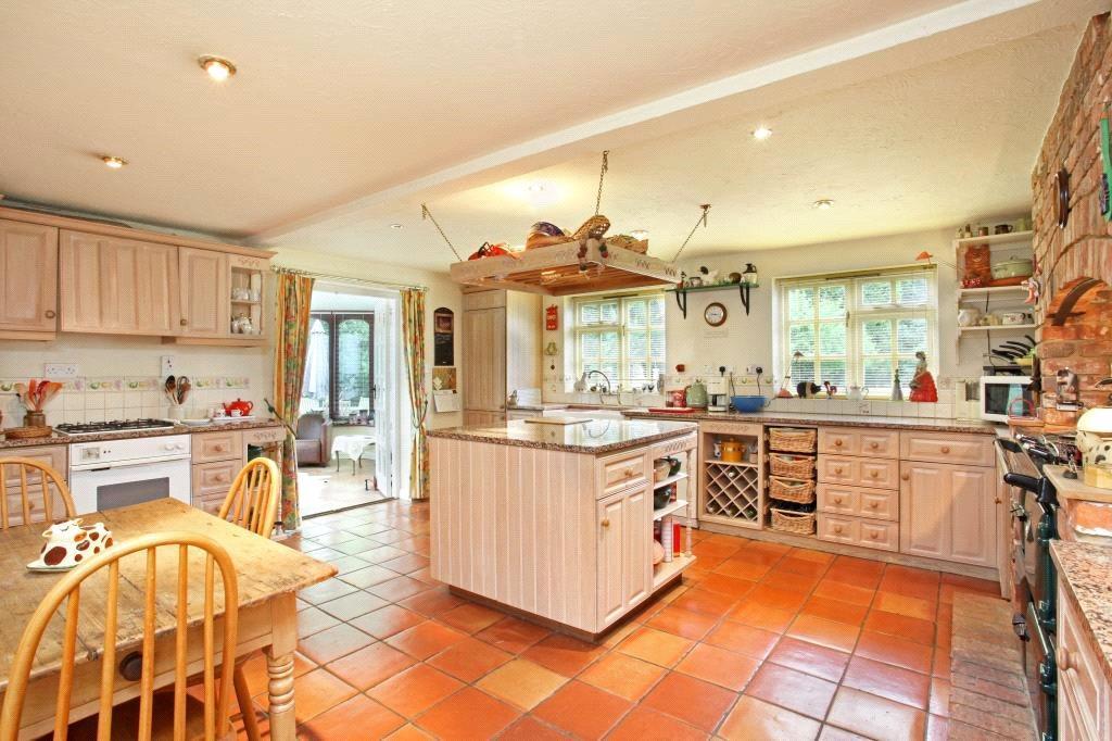 Binfield: Kitchen