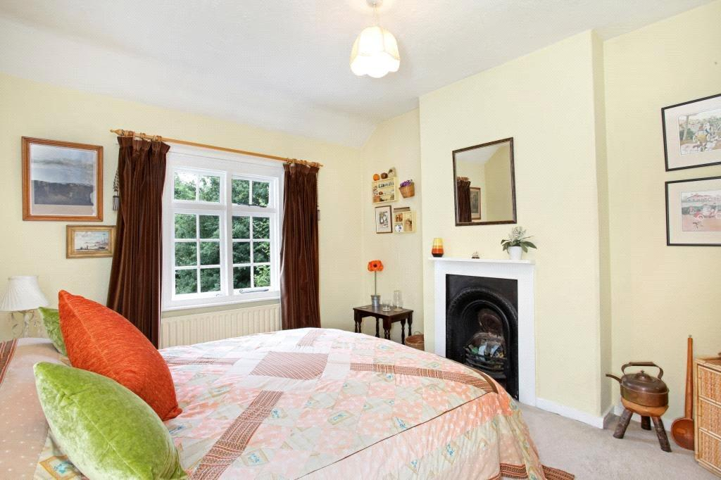 Binfield: Bedroom