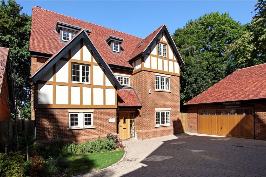 Ascot: House