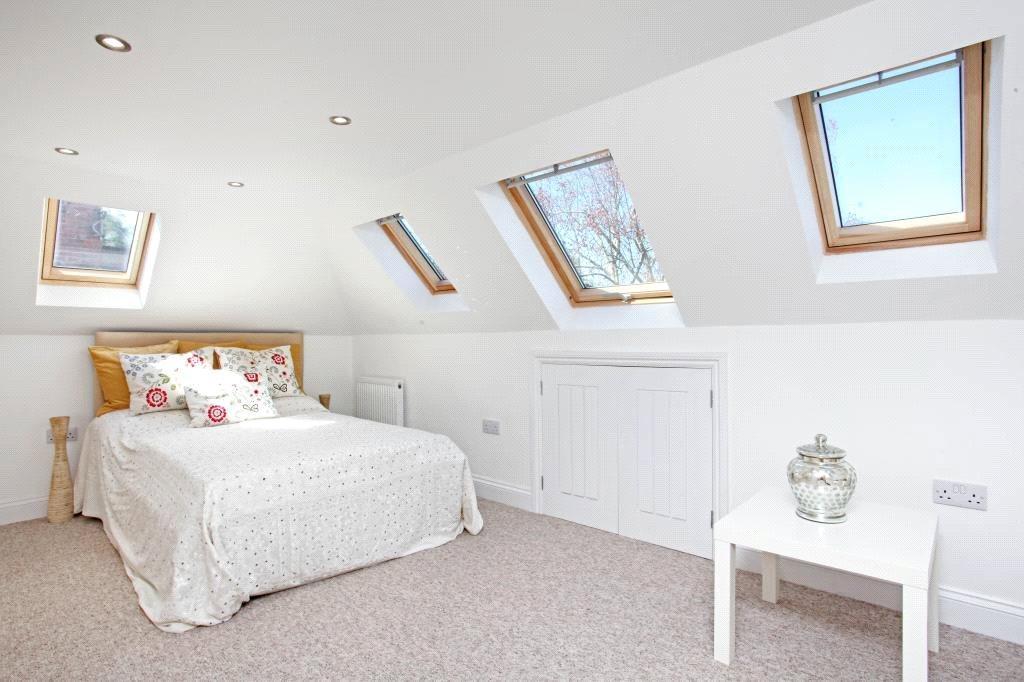 Ascot: Bedroom