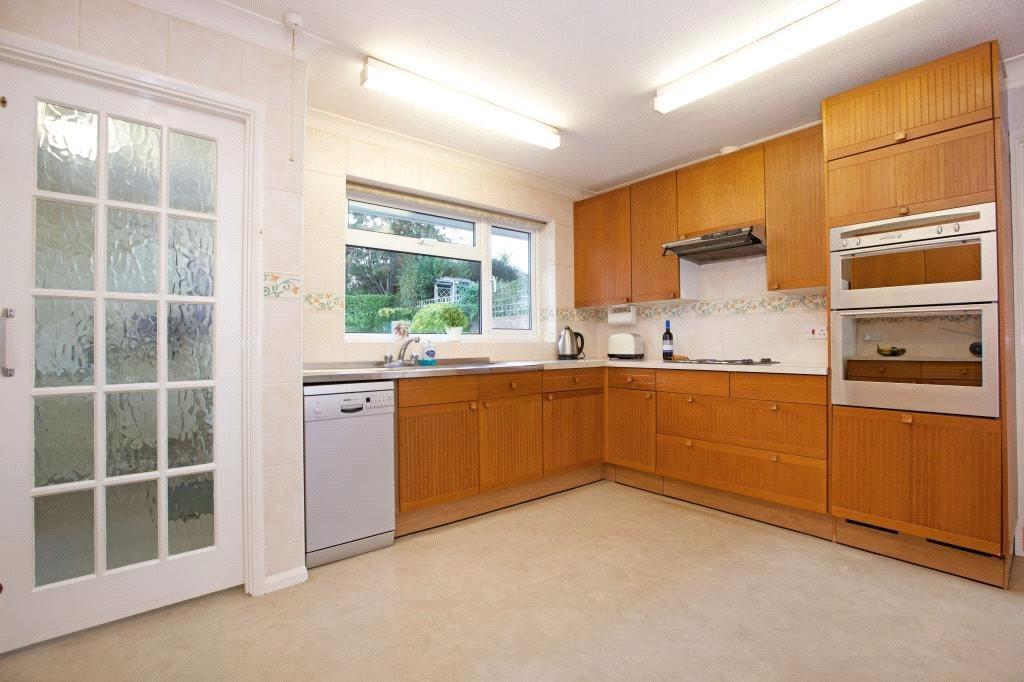 Sunninghill: Kitchen