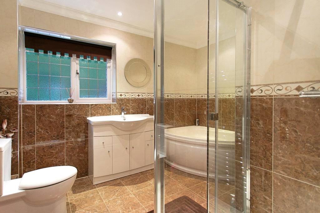 Camberley: Bathroom