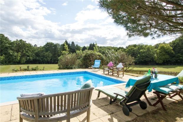 7 Bedroom Detached House For Sale In Pook Hill Chiddingfold Godalming Surrey Gu8 Gu8