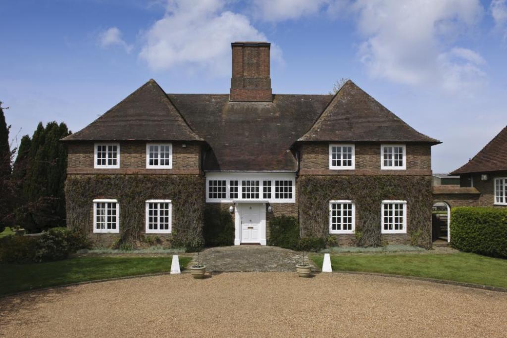 5 Bedroom Farm House For Sale In Woodcock Hill Felbridge