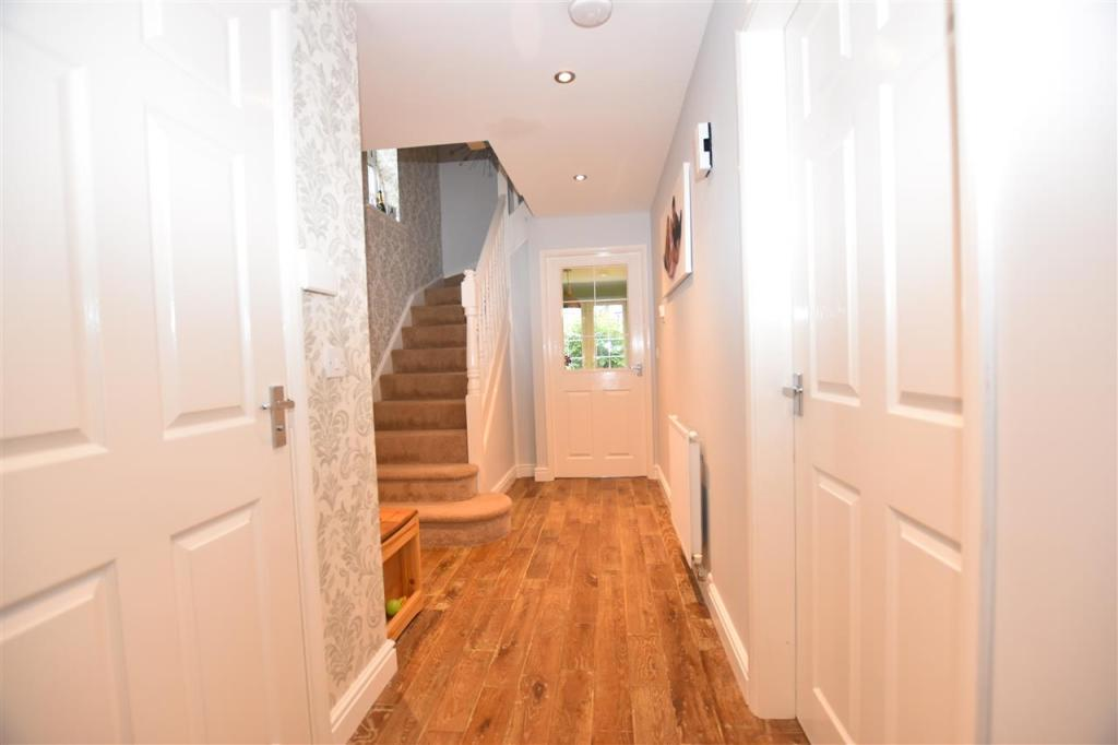 Hallway and WC