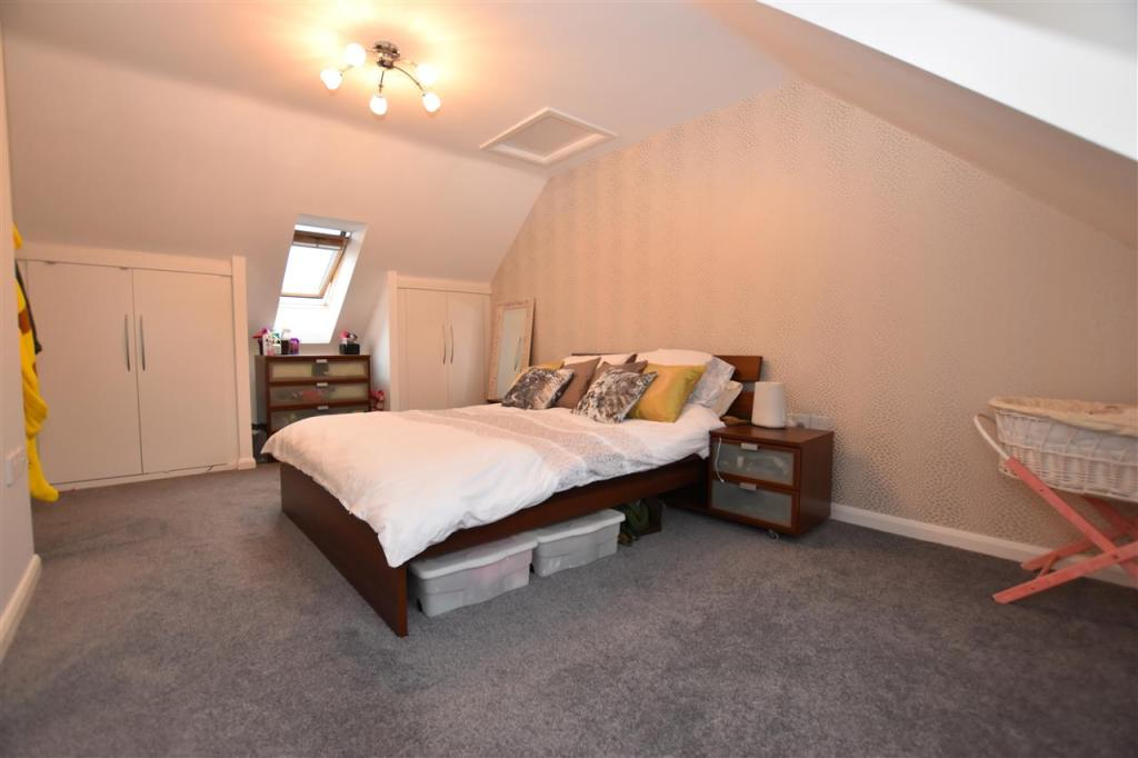 Master bedroom - 2nd