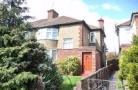 1 bed Maisonette in Staines Road, Feltham...