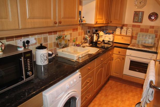 Annexe Kitchen.JPG