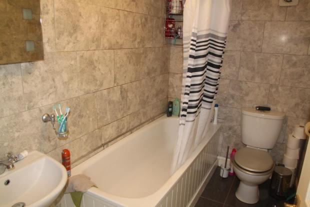 Barn Bath.JPG
