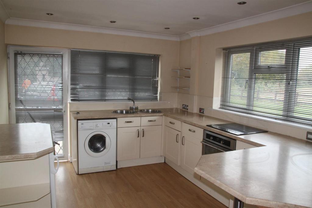 Kitchen Annexe 1.JPG