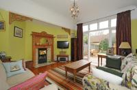 5 bed Terraced house in Milton Park, Highgate