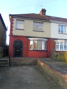 3 bed semi detached house to rent in Maidstone Road, Rainham...