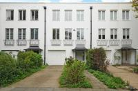 Town House to rent in North Grove, Highgate