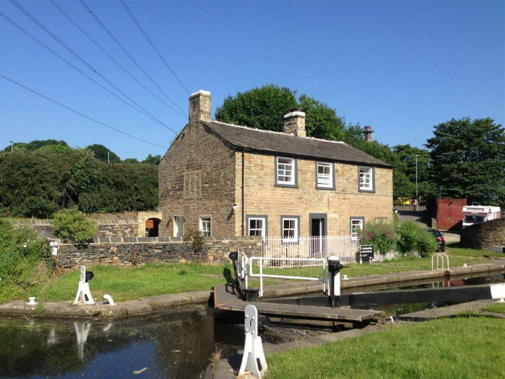 4 Bedroom Detached House For Sale In The Lock Keepers