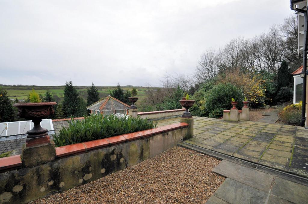 Detached House For Sale In Binns Wood Binns Lane Holmfirth Hd9 3bj Hd9