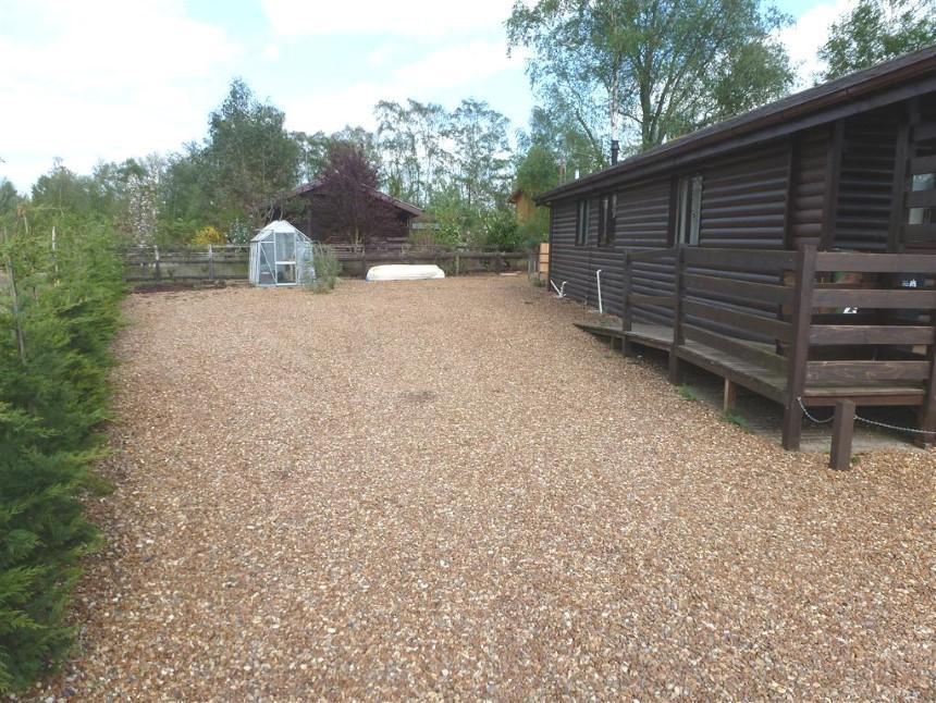 3 bedroom log cabin for sale in pentney lakes pentney for 3 bedroom log cabin prices