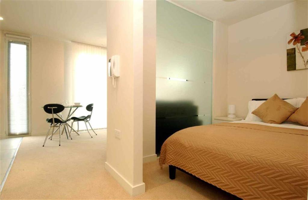 Studio Apartment To Rent In Spectrum Block Salford