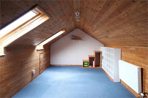 Attic Room (b)