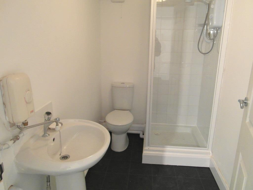 Flat 1 - Bathroom