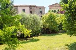 Town House for sale in Le Marche...