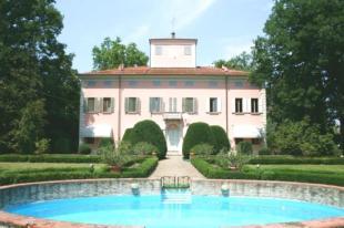 Villa for sale in Emilia-Romagna, Modena...