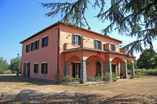 5 bed Farm House in Lazio, Viterbo...