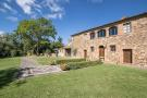 7 bed Detached home for sale in Trequanda, Siena, Tuscany