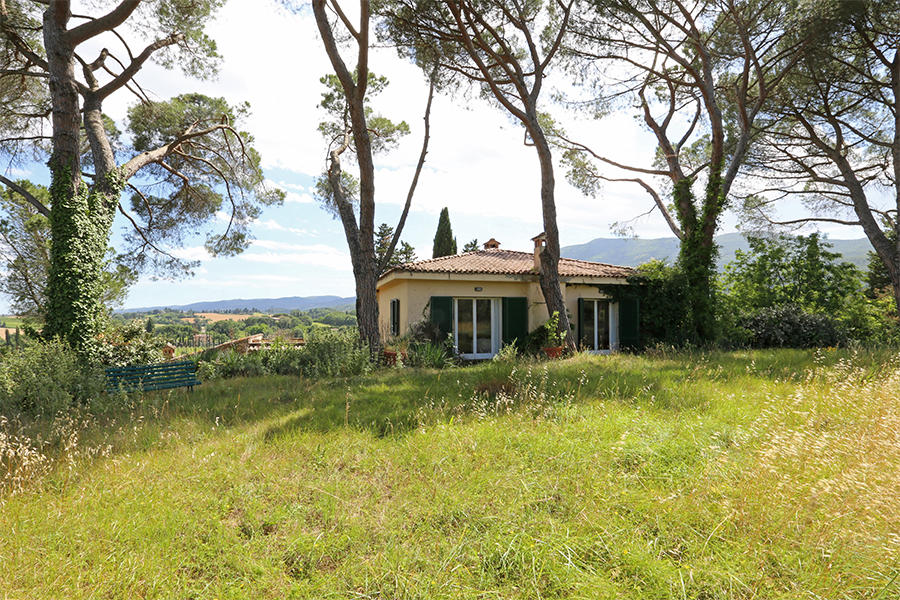 4 bed Farm House for sale in Cetona, Siena, Tuscany