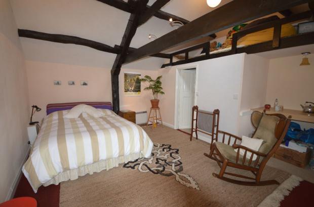 Annex bedroom.