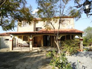 4 bedroom Detached Villa for sale in Girne, Alsancak