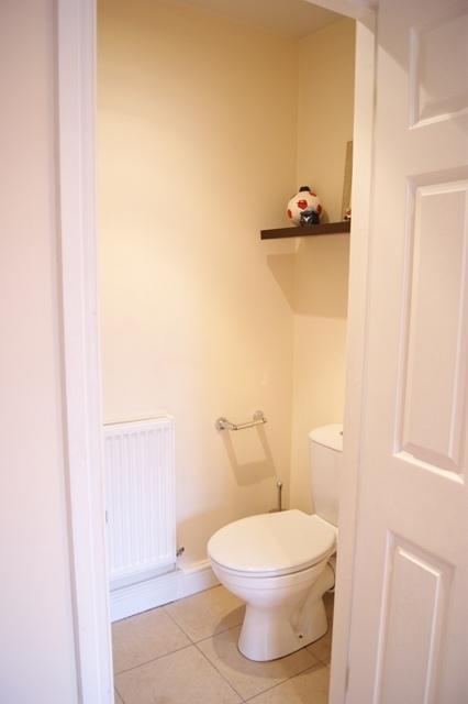 Bedroom 2 Toilet