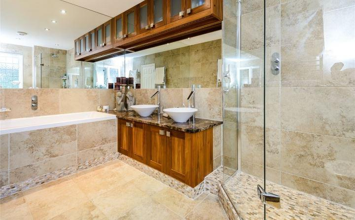 Runnymede Homes,Bathroom