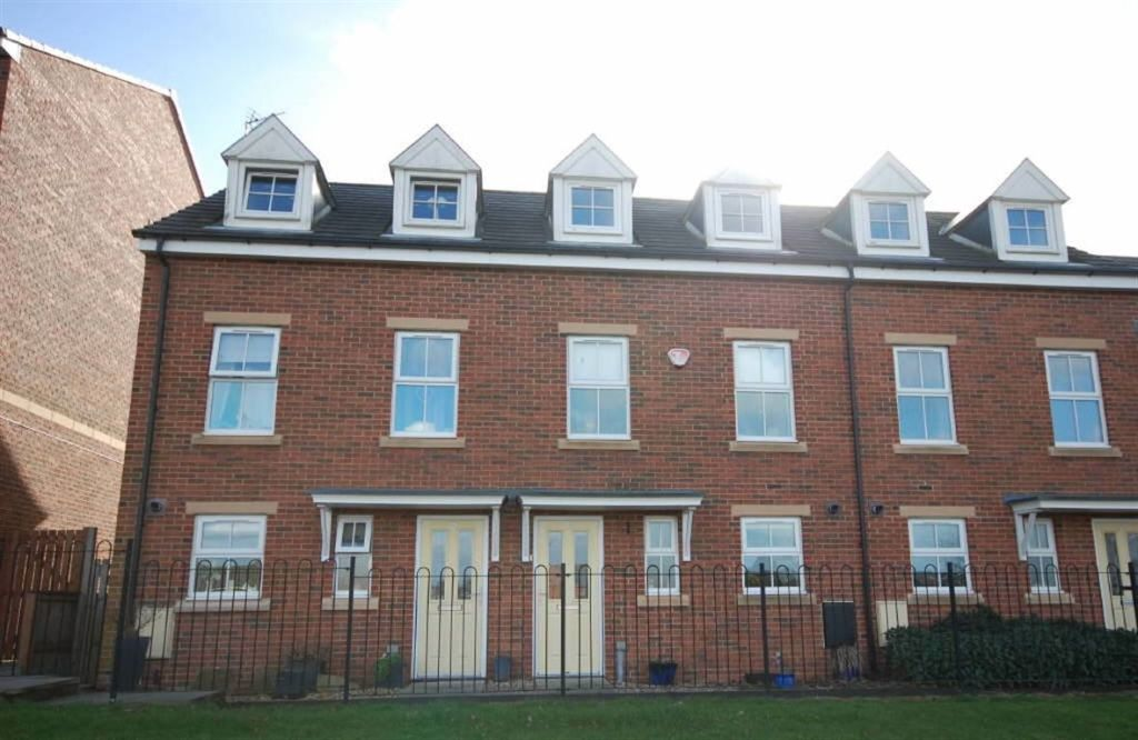 3 Bedroom Town House For Sale In Ayden Grove Newton Hall Durham Dh1 Dh1