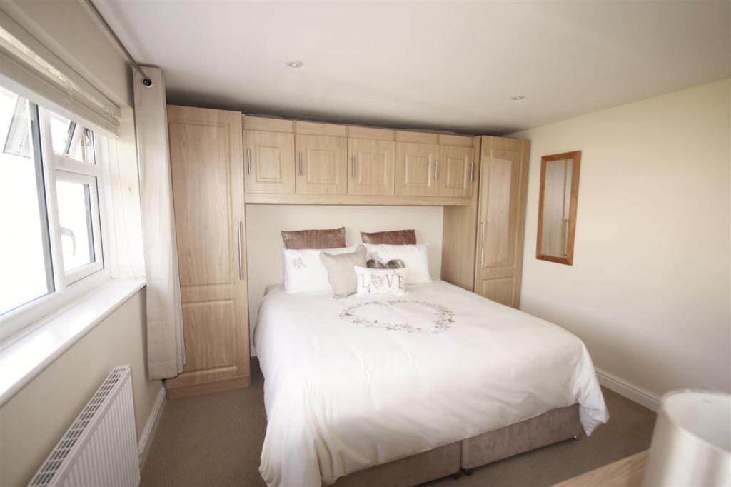 Master Bedroom En