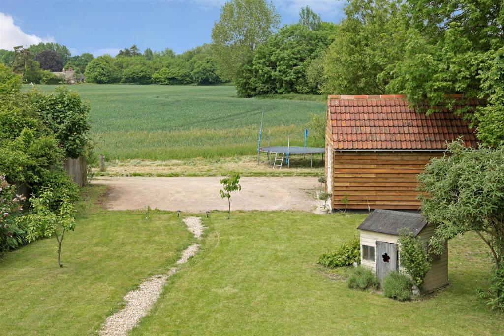 1 Field Cottages fpz