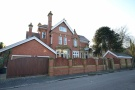 8 bedroom Detached house in Kings Road, West Park...