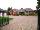 Hatchet Lane Detached Bungalow to rent