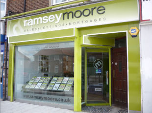 Ramsey Moore, Dagenhambranch details